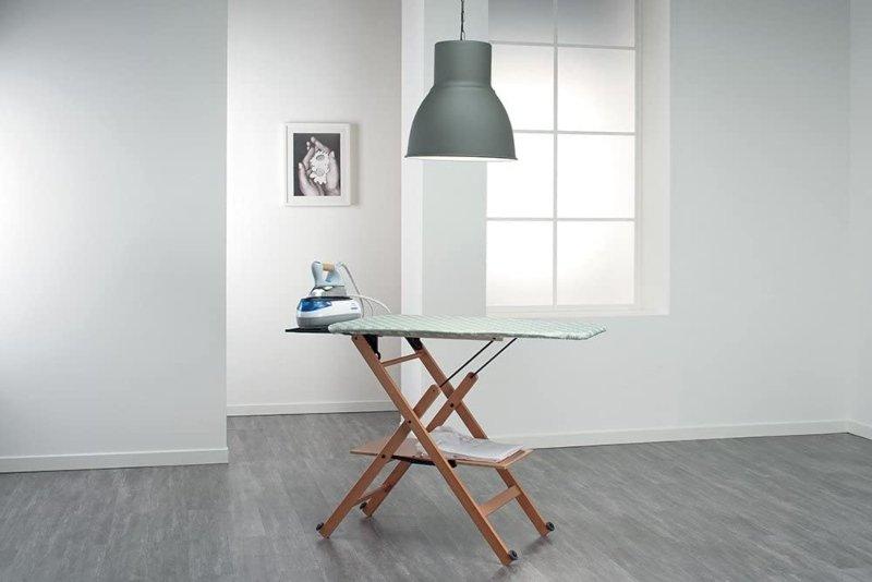 mueble planchador con ruedas